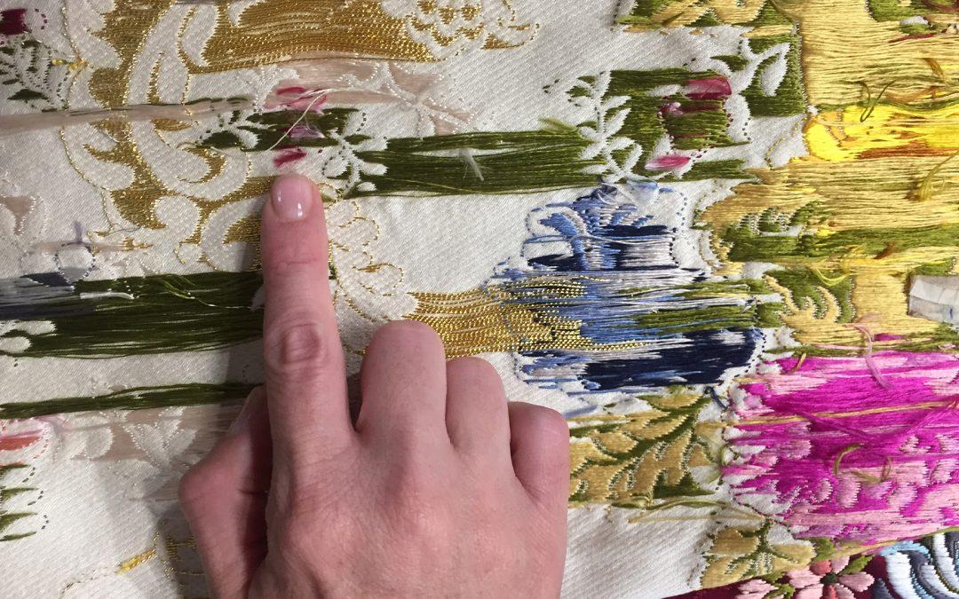 ¿Cómo distinguir una seda tejida manualmente?